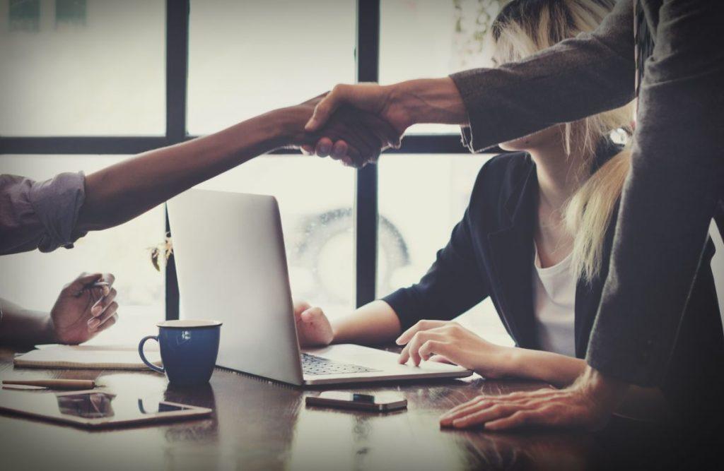 dlaczego warto zdecydować się na outsourcing?